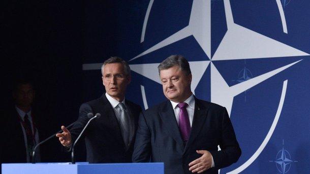 Порошенко пообещал провести референдум повопросу членства Украины вНАТО