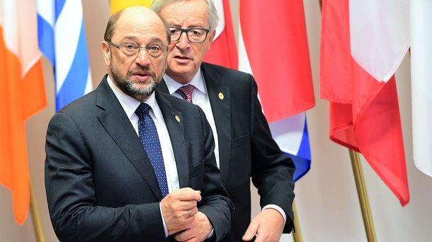 Меркель стала единым кандидатом блока ХДС/ХСС напост канцлера