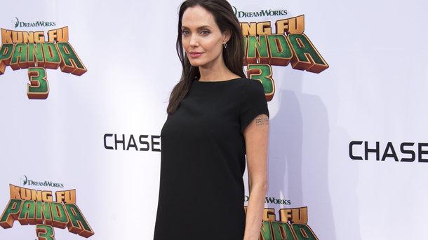 Джоли потребовала отПитта $100 тыс. каждый месяц