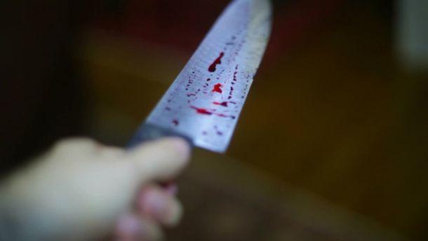 ВХерсоне нервный сосед изрезал ножом семью с сыном, празднующую день рождения