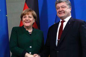 Меркель пообещала Порошенко, что не допустит никаких геополитических соглашений за спиной Киева - СМИ