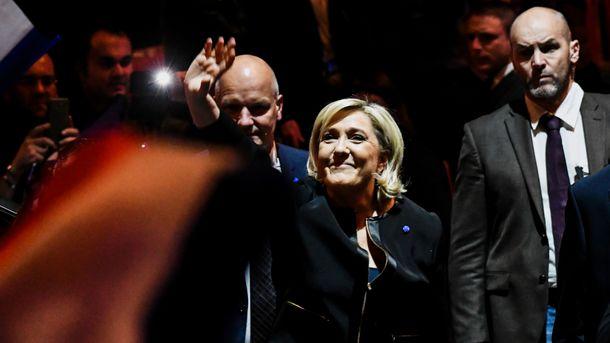 Франция должна выйти изНАТО иусилить вооруженные силы— Марин ЛеПен