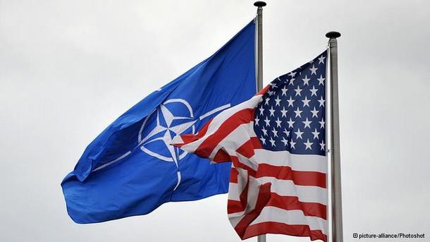 Трамп и генеральный секретарь НАТО обсудили возможности решения конфликта наДонбассе