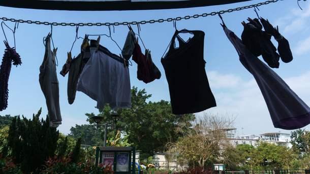 Как убрать жвачку от юбки