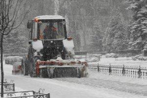В Киеве дороги будут чистить круглосуточно