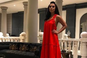 Джамала в платье за шесть тысяч гривен удивила смелым декольте