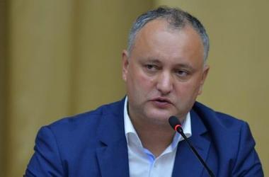 Правящая партия Молдовы жестко раскритиковала поведение Додона в Брюсселе
