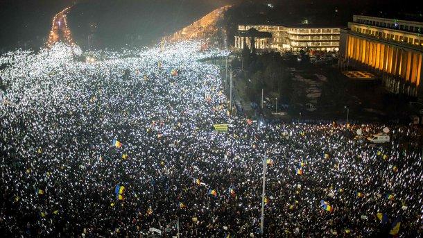 Президент Румынии констатировал политический кризис вгосударстве
