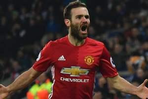"""""""Манчестер Юнайтед"""" продал больше всех футболок в 2016 году"""