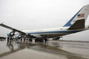 СМИ сообщили о сближении неизвестного самолета с бортом Трампа
