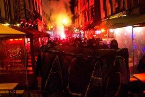 Пригороды Парижа в огне: люди взбунтовались после изнасилования полицейскими парня