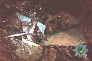Lexus столкнулся с бензовозом на трасе Киев – Чоп: есть погибшие