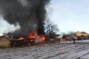 Черный дым и пламя: в Запорожской области сгорели Hyundai и BMW