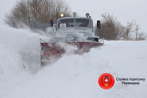 В Ровенской области  роженица снова добиралась в больницу на пожарной машине