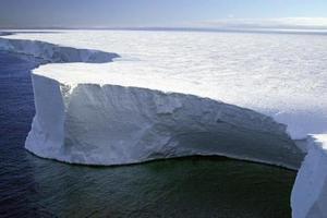 В Антарктиде нашли четыре мертвых озера
