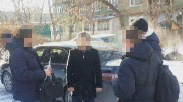 Обвинитель Днепровской здешней прокуратуры добивался 1,6 тысячи долларов взятки