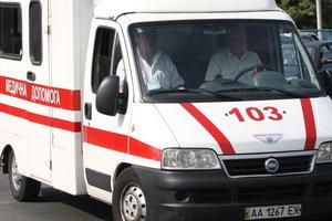 В Киеве женщина погибла под колесами грузовика