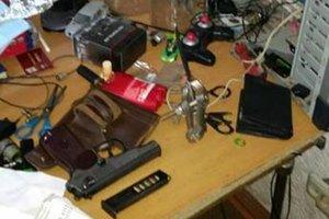 Во Львове 18-летний парень хранил дома  арсенал оружия