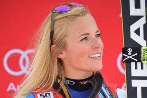 Красавица-горнолыжница Лара Гут порвала связку колена перед стартом на чемпионате мира