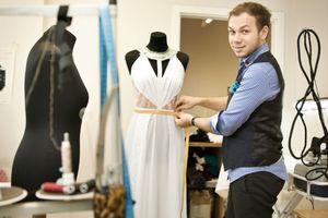 Известный дизайнер Андре Тан попал в ДТП в центре Киева
