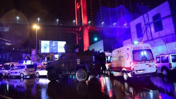 Турецкий суд арестовал исполнителя теракта вночном клубе Reina