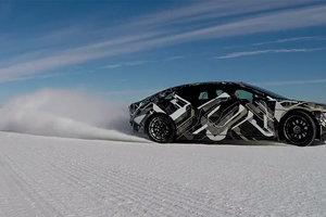 Красочное видео: снежный дрифт электрокара Lucid Air