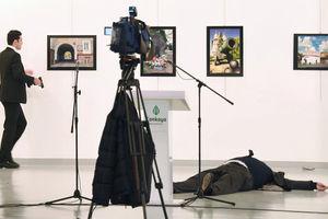 Главный приз World Press Photo дали за фото убийцы российского посла в Турции