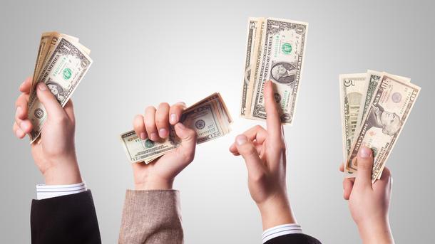 НБУ резко укрепил официальный курс гривни кдоллару на24 копейки