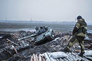 """Россия перебросила на Донбасс эшелоны с танками и """"Градами"""""""