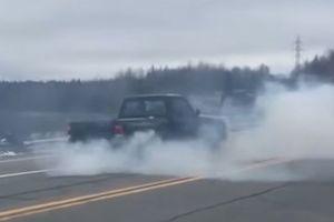 Видеохит: что будет, если включить задний ход на скорости 64 км в час