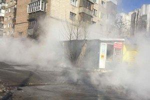 В Киеве на Оболони без воды останутся 213 домов: прорвало теплосеть