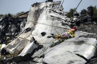 На Донбассе продолжат искать останки жертв крушения MH17