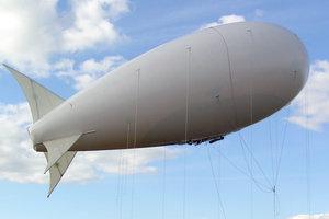 Россия подняла в небо вертолеты и аэростат на границе Крыма