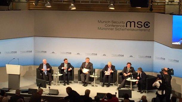 Маккейн: жители России убивают украинцев каждый божий день