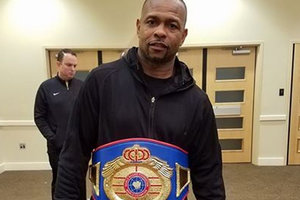 Рой Джонс в 48 лет стал чемпионом мира по боксу
