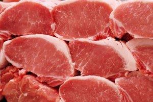 В Украине значительно подорожала свинина