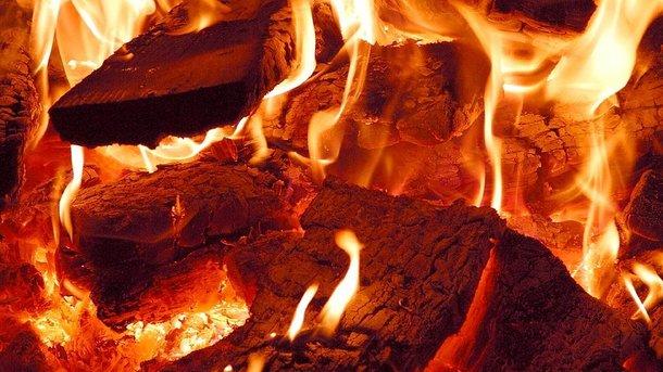 Двое военных погибли впожаре наСумщине, еще один пострадал