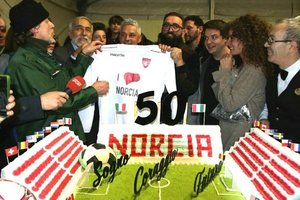 Roberto Baggio zaznaczył swój jubileusz z ofiarami trzęsienia ziemi