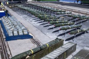 """Продажи оружия в мире подскочили до максимума после """"холодной войны"""""""