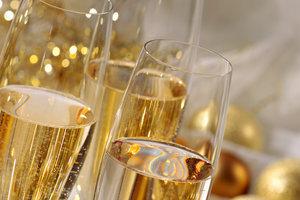 Коварное шампанское: ТОП-5 мифов про игристый напиток
