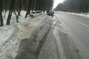 Во Львовской области микроавтобус с пассажирами вылетел с трассы