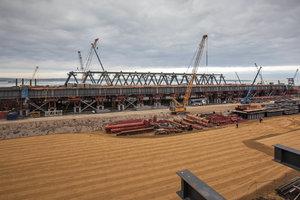 En Crimée, a déclaré à propos de la construction de l'autoroute à un pont sur le détroit de Kertch