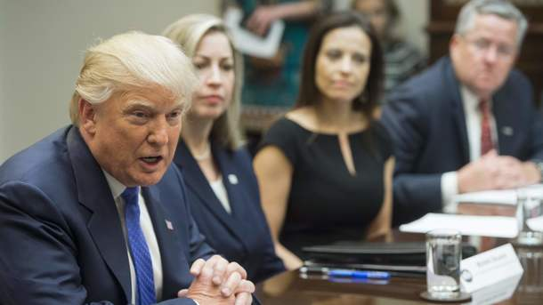 За 1-ый месяц моего президентства госдолг США снизился на $12 млрд— Трамп