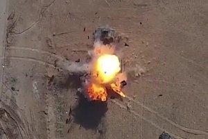 ИГИЛовский беспилотник уничтожил хаммер сбросив на него гранату