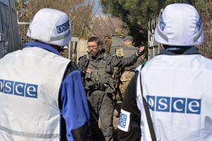 На Донбассе боевики открыли огонь по наблюдателям ОБСЕ и захватили беспилотник