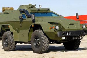 TOPPEN av militära fordon från kända bilmärken