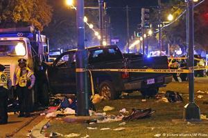 В Новом Орлеане авто въехало в толпу людей, более 20 пострадавших