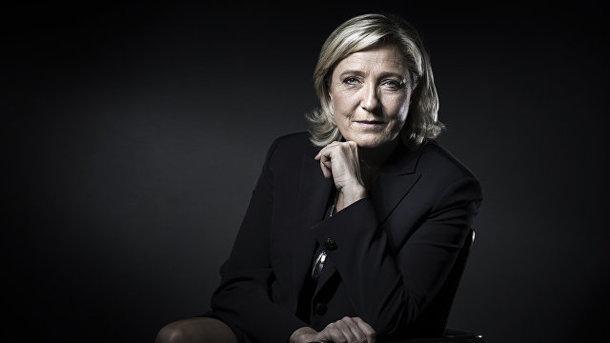 Макрон «уничтожит» ЛеПен вовтором туре выборов президента Франции— опрос