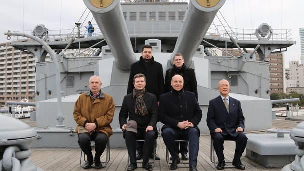 Киев предложил Токио поиграть мускулами— Японский ход Парубия