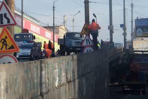 Як виглядає місце обвалення Шулявського мосту в Києві: свіжі фото